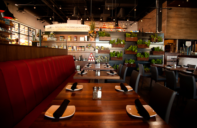 Booth seating at Pomo Pizzeria